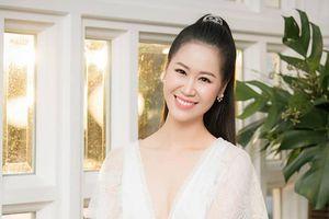Dương Thùy Linh: Tầm nhìn của Á hậu bán dâm nghìn USD quá ngắn