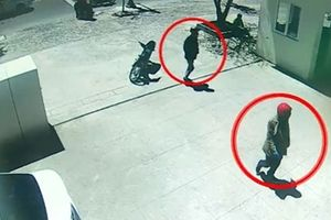 Hai nghi can đã thực hiện trót lọt hành vi cướp ngân hàng