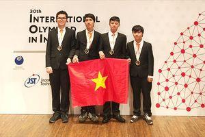 4 học sinh Việt Nam đều đoạt huy chương Olympic Tin học quốc tế