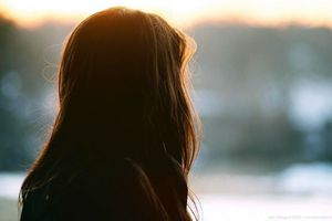 Phải làm gì khi trở trành đối tác bất đắc dĩ với người yêu cũ?