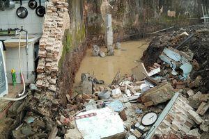 Nhóm công nhân thương vong vì bức tường cũ đổ ập vào đầu