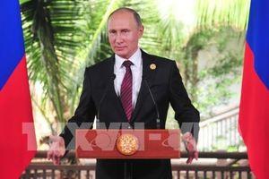 Nước Nga vượt sóng dữ