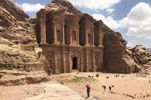 Kinh nghiệm không thể bỏ qua trước khi đến thăm Petra - thành phố cổ bị lãng quên của Jordan