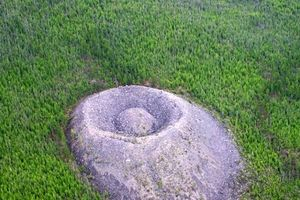'Tổ Chim Lửa': Bí ẩn kỳ quái nằm sâu trong rừng rậm Siberia