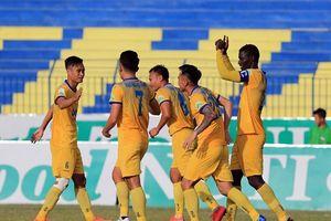 HAGL bị nhấn chìm 0-3 trước FLC Thanh Hóa ngay trên sân nhà Pleiku