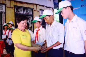 Trao học bổng tặng 155 học sinh tại TP Hồ Chí Minh và Long An