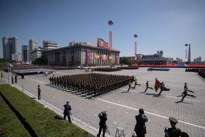 Cận cảnh Triều Tiên duyệt binh mừng Quốc khánh