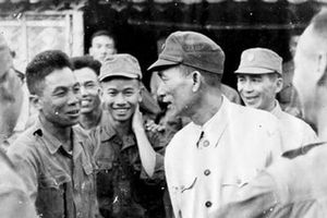 Tướng Vương Thừa Vũ với kinh nghiệm chiến đấu 'hiểm địa nhất phu địch vạn nhân'