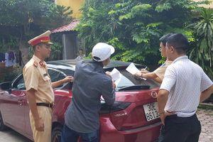 Tài xế Mazda 3 đánh võng náo loạn Cầu Diễn bị phạt 14 triệu