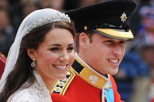 Các công nương Hoàng gia Anh không được đeo thứ này trước 6 giờ tối