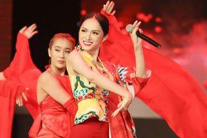 Hương Giang và sân khấu 'Gấm' tại đêm chung kết: Độc nhất!