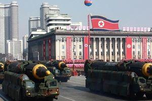 Hàng ngàn binh sĩ Triều Tiên chuẩn bị duyệt binh mừng Quốc Khánh 70 năm
