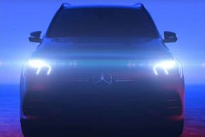 Mercedes GLE 2019 để lộ phần đầu xe thể thao hơn trong video nhá hàng chính thức