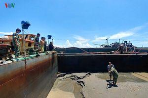 Bị Bộ đội Biên phòng TPHCM phát hiện, cát tặc tháo chạy thoát thân