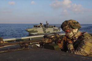 Quân đội Nga tập trận rầm rộ ngoài bờ biển Syria