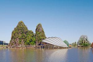 Xây dựng nhà hát vảy rồng trong Vịnh Hạ Long