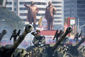 TT Trump hoan nghênh Triều Tiên duyệt binh không tên lửa, hạt nhân