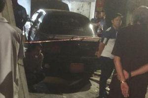 Hà Nội: Người đàn ông tử vong dưới gầm ô tô trong tư thế hai tay duỗi thẳng