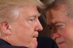 Tổng thống Donald Trump 'đang đối mặt đảo chính'
