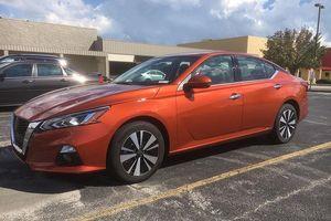 Nissan Teana 2019 thế hệ mới rò rỉ những hình ảnh thực tế tại đại lý