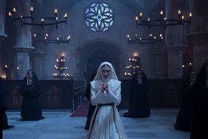 Phim 'Ác quỷ ma sơ' thống trị phòng vé toàn cầu