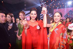 Vượt Kỳ Duyên, Hương Giang đưa học trò chiến thắng Siêu mẫu Việt Nam