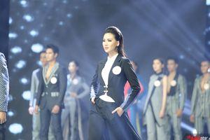Những bộ vest đẹp ngây ngất trong BST Giao thoa của NTK tài năng Patrick Phạm