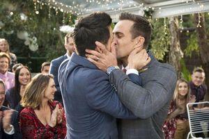 Đám cưới cặp đôi đồng tính 'phim giả tình thật' từ vở kịch nổi tiếng tại Úc