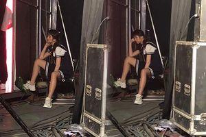 Fan xót xa khoảnh khắc Hari Won quá gầy và ngủ gục sau hậu trường