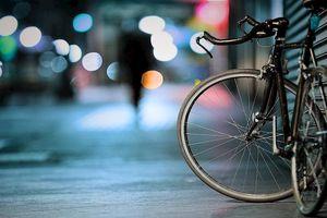 Sống trên đời như đi xe đạp, muốn giữ thăng bằng phải tiếp tục di chuyển