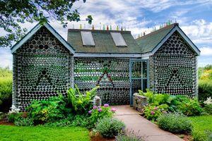 Chẳng ai nghĩ rằng 10 ngôi nhà đẹp tựa như tranh này lại được làm ra từ những đồ