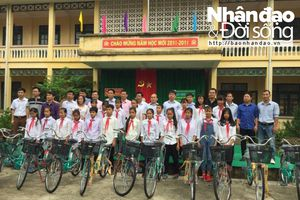 Thanh Hóa: Trao tặng xe đạp cho học sinh nghèo vượt khó huyện Thạch Thành