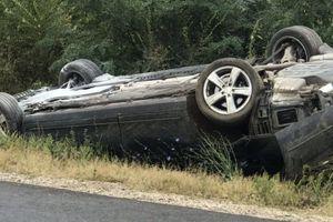 Xe chở Tổng thống Moldova bị xe tải đâm mạnh