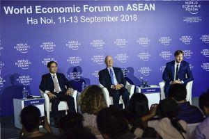 Chủ tịch WEF: Không nên kỳ vọng 'bật công tắc' là thành công trong cách mạng 4.0