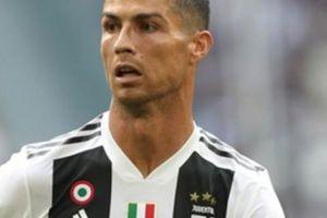 Juventus chơi trò 'lườm rau, gắp thịt' để khích Ronaldo… ghi bàn?
