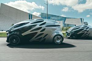 Daimler tung xe điện tự lái cạnh tranh với Waymo và Deutsche Post