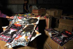 Thanh Hóa: Bắt xe tải chở nhiều đồ chơi bạo lực
