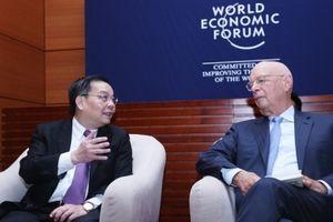 Bộ trưởng Chu Ngọc Anh tiếp kiến Chủ tịch điều hành Diễn đàn Kinh tế thế giới
