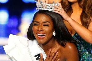Hoa hậu Mỹ 2019 say mê giáo dục và từng hiến tế bào gốc để cứu cha
