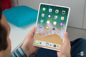 iPad Pro 2018 và iPad Pro 2017: So sánh nhanh kích thước 2 mẫu máy tính bảng 'khủng long' của Apple