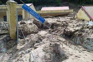 Thanh Hóa: Đề nghị Trung ương hỗ trợ 900 tỷ đồng khắc phục hậu quả mưa lũ.