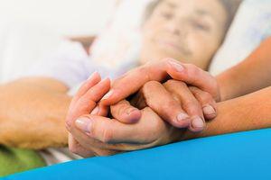 Các biện pháp làm giảm tác dụng phụ khi chữa ung thư bằng hóa trị