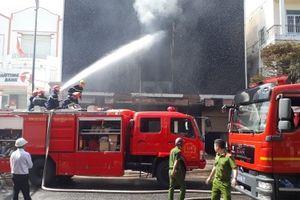 Đà Nẵng cháy quán Bar ngay trung tâm thành phố