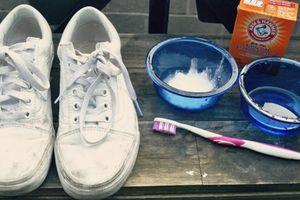 Mẹo làm sạch giày trắng cực đơn giản bạn sẽ tiếc nếu không biết