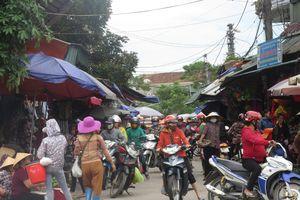 Hà Tĩnh: Chợ 160 tỉ đồng vắng teo, lí do bất ngờ