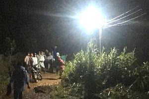 Lâm Đồng: Đi xe máy qua đoạn nước chảy xiết, một người bị nước cuốn trôi