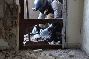 Nga bắt quả tang phiến quân quay phim vụ tấn công hóa học giả ở Idlib