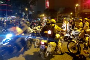 Trắng đêm chặn 'bão' ở Sài Gòn sau trận thắng lịch sử của U23 Việt Nam