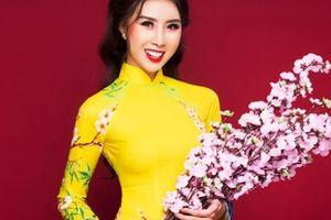 HH Văn hóa Ngọc Trâm duyên dáng trong tà áo dài cách tân ngày Tết