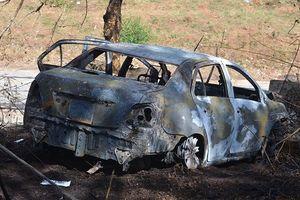Xe taxi cháy, hai cha con tử vong, nghi tự tử